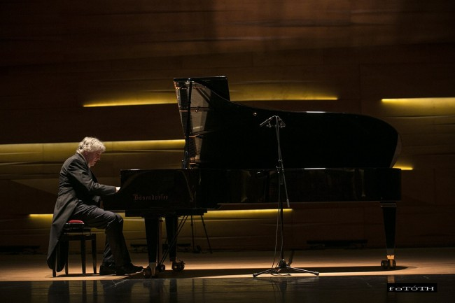 Az örökifjú Chopin