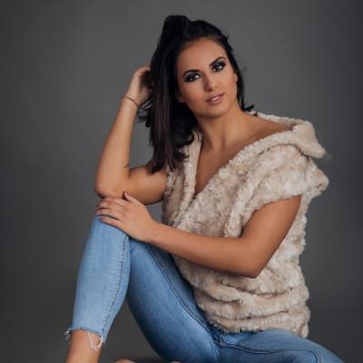 Rónaki Nina